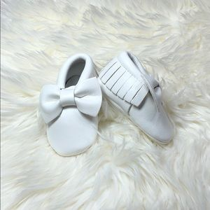 Other - New white bow soft sole baby moccasins